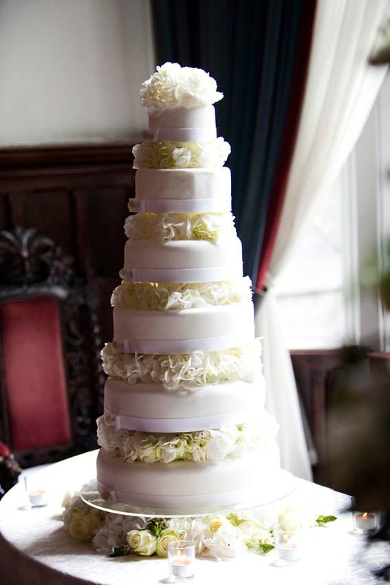 the 6 tier cake.low - Dream Irish Wedding