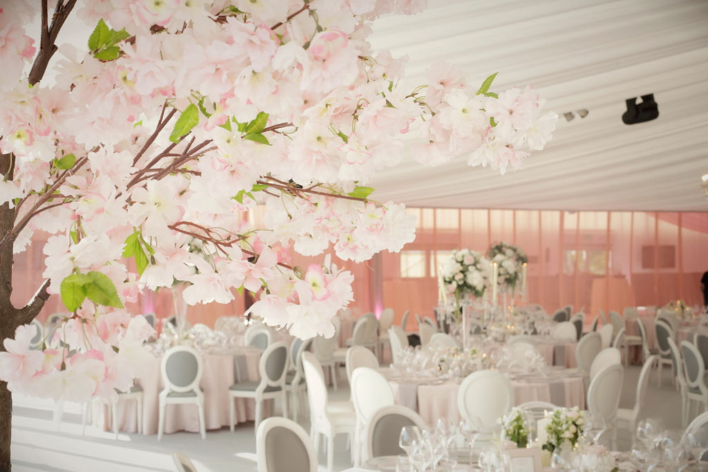 Luxury Marquee Wedding , Wedding Stylist, Wedding Flowers, Wedding Furniture