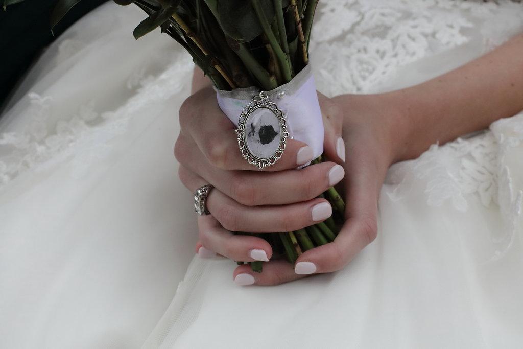 Vintage Heirloom jewellery around bouquet
